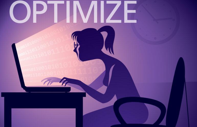 Women looking at laptop screen Optimize